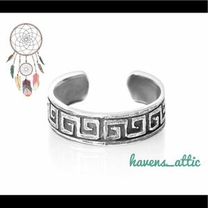 Jewelry - Sterling Silver Boho Maze Greek Key Toe Ring